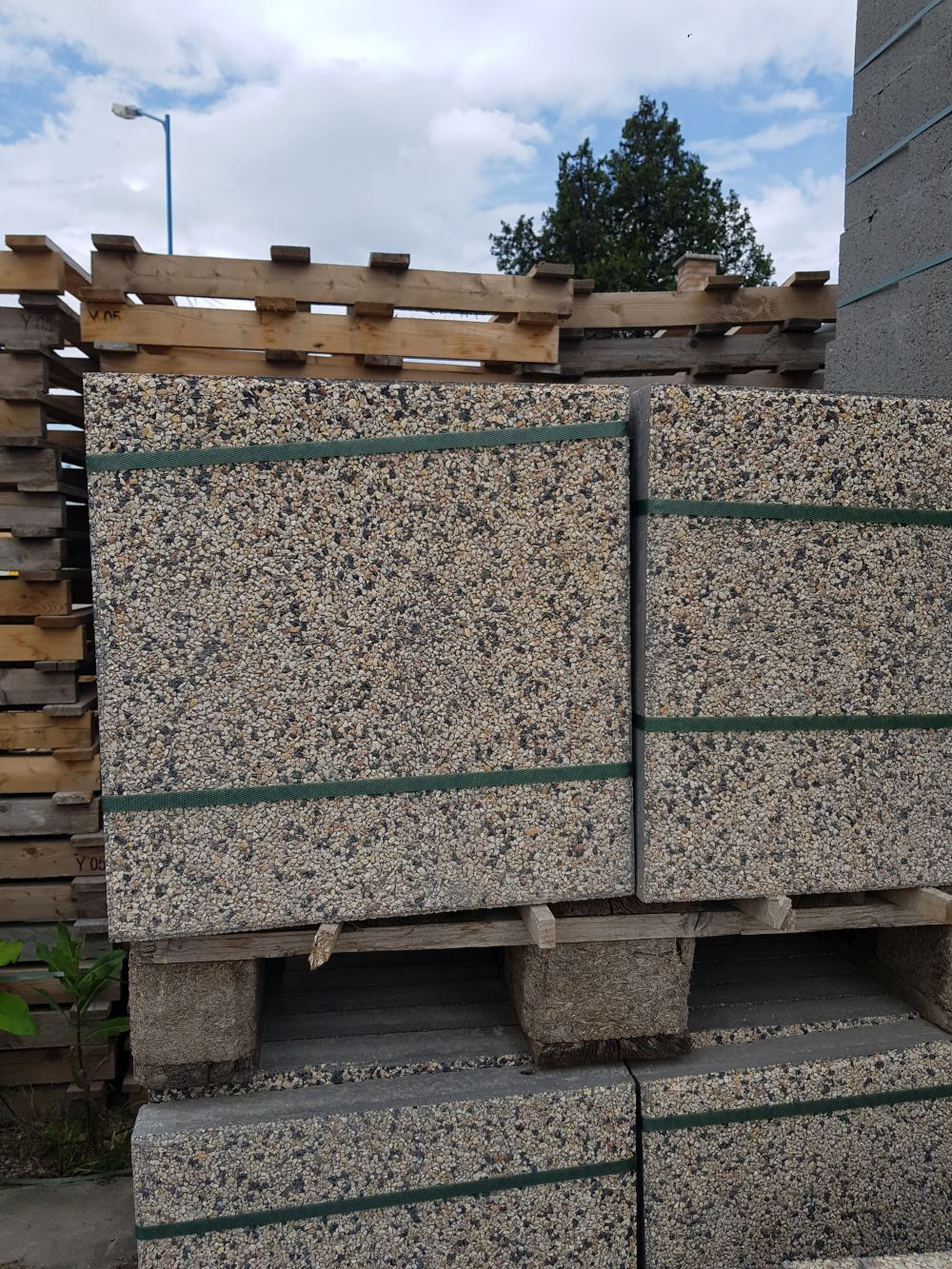 Beton járdalap 40x40 mosott dolomit50-bazalt50 BAUplaza Kft.
