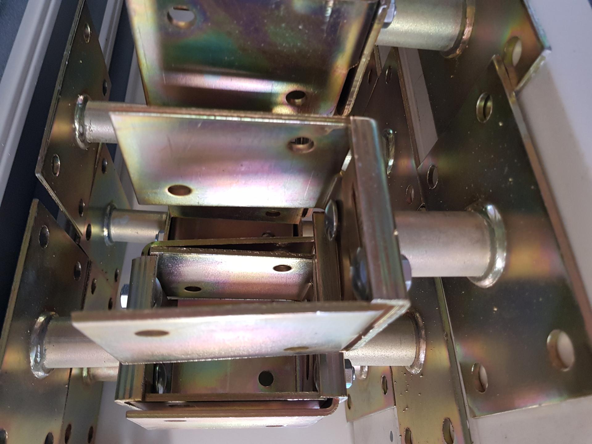 Oszloptartó lap M20 - 40mm magasság állítás horg. csavarozható BAUplaza Kft.