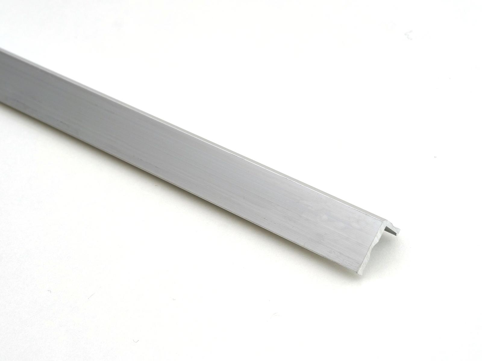 Cs alu L profil 8mm/2,5fm A01860 BAUplaza Kft.
