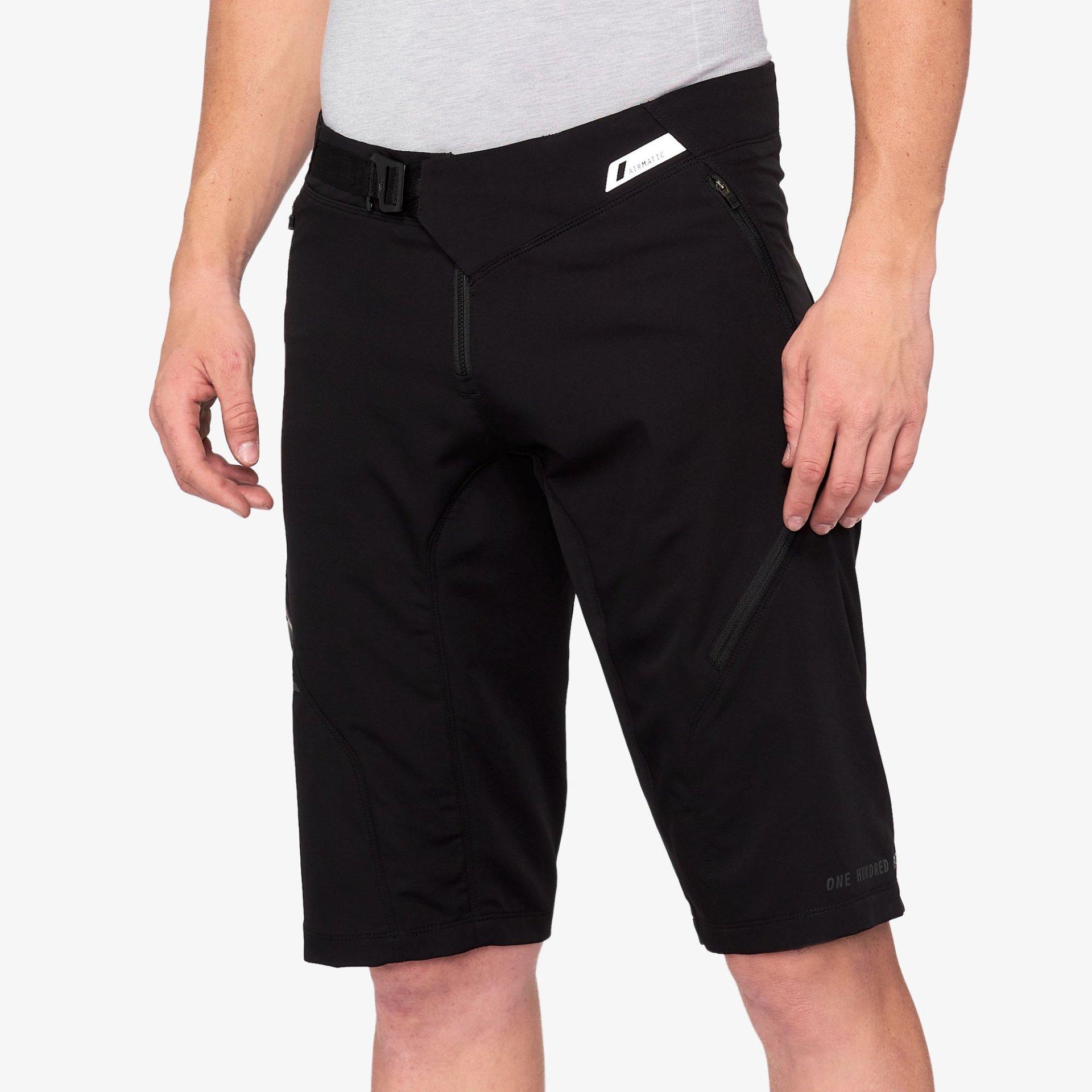 100% AIRMATIC férfi rövidnadrág - fekete - 32